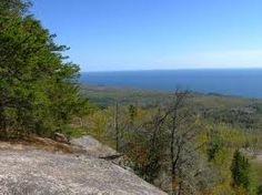 Must-see during your Bluefin Bay vacation! Lots of great hiking and breath-taking views at Carlton Peak in Tofte. #MSPdestination