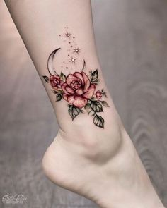 rose foot tattoos for women ~ rose foot tattoo ; rose foot tattoos for women ; rose foot tattoo cover up ; rose foot tattoos for women small ; Cool Small Tattoos, Small Tattoo Designs, Flower Tattoo Designs, Tattoo Designs For Women, Tattoos For Women Small, Tattoo Flowers, Tattoo Ideas Flower, Flower Ankle Tattoos, Awesome Tattoos