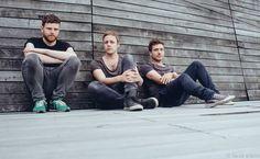A falta de un #ViernesdeChicosGuapos tres chicos guapos chic@s! :3 #JanBlomqvist #Mercadodepyc #HazTrueque