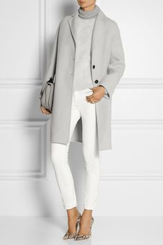 MARC JACOBS TRENCH GRIS ET TOTAL LOOK BLANC avec Escarpins pyton