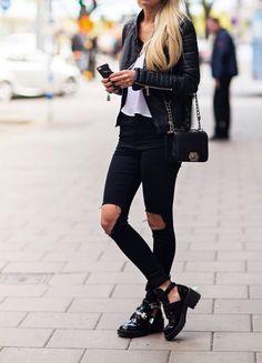 Victoria | Minimal + Chic | @codeplusform