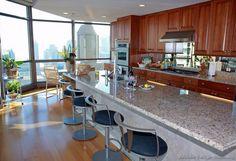 Traditional Medium Wood-Cherry Kitchen Cabinets #09 (Kitchen-Design-Ideas.org)