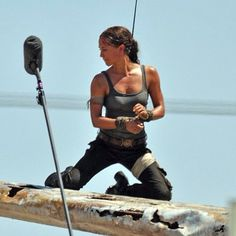 Alicia Vikander as Lara Croft in 'Tomb Raider' - First Look Photos!: Photo Alicia Vikander jets into action doing her own stunts on the set of Tomb Raider in these first look photos of her as the lead character Lara Croft! Tomb Raider Lara Croft, Tomb Raider Cosplay, New Tomb Raider Movie, Tomb Raider 2018, Angelina Jolie, Tomb Raider Alicia Vikander, Tomb Raider Reboot, Laura Croft, The Danish Girl