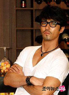 CHA SEUNG WON...he looks like an Asian Johnny Depp.