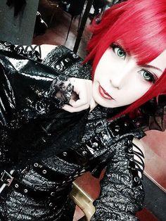Imagem embutida Gothic Makeup, Punk, Style, Built Ins, Guitars, Swag, Punk Rock