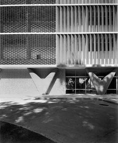 Hospital Sul-América / atual Hospital da Lagoa, Oscar Niemeyer, RJ, 1955, photography Marcel Gautherot, IMS