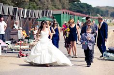 Wedding Photography Hot Shot | Summertime love | Find a Wedding Photographer