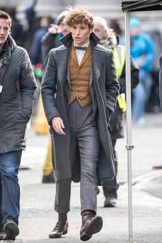 Eddie Redmayne looks sharp on set of Fantastic Beasts 2
