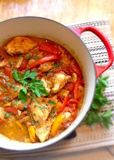 Enjoy this one-pot Chicken Stew with Peppers and Tomatoes recipe. A classic staple from the Basque region of France known as Poulet Basquaise. Tomato Sauce Recipe, Sauce Recipes, Chicken Recipes, Ras El Hanout, Tapas, Go For It, What To Cook, Kitchen Recipes, Soups And Stews
