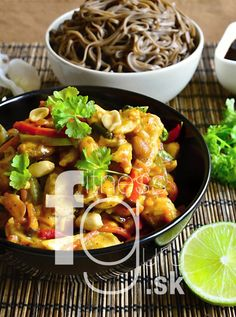 FitnessGuru.sk Gnocchi, Kung Pao Chicken, Healthy Recipes, Healthy Food, Tofu, Chinese, Meat, Cooking, Ethnic Recipes