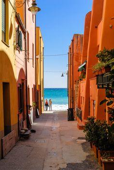 Varigotti, Liguria, Italy (by Siegfried Mairböck)