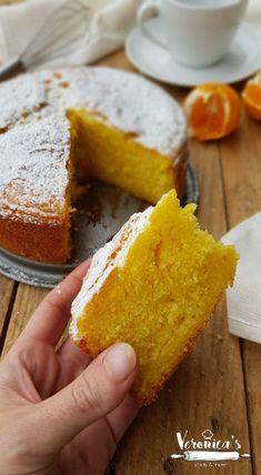 TORTA AI MANDARINI FRULLATI Sweet Recipes, Cake Recipes, Dessert Recipes, Desserts, Sweet Light, Light Cakes, Torte Cake, Sweets Cake, Almond Cakes