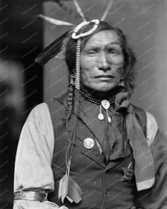 Iron White Man a Sioux Indian vintage 8x10 Reprint Of photo Iron White Man a Sioux Indian vintage 8x10 Reprint Of photo Here is a neat collectible of Iron White Man, a Sioux Indian in a vintage 8x10 R