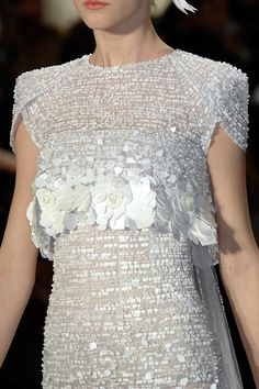 Chanel spring 2009 couture details - via: girlannachronism: - Imgend