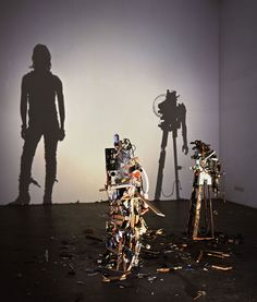 Tim Noble and Sue Webster frequently use trash in their thought-provoking shadow art. Human Shadow, Shadow Art, Shadow Puppets, Contemporary Sculpture, Light Art, Light And Shadow, Installation Art, Art Installations, Sculpture Art