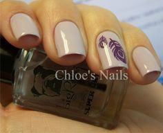 nude nails w/ decal