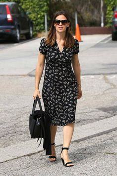 Jennifer Garner wears an HVN dress & Gianvito Rossi heels while out with her family. #LA #streetfashion #celebmoms