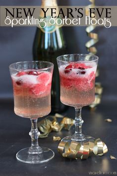 Sparking Sorbet Floats - a lovely alcohol-free mocktail for the holidays and New Year's Eve!