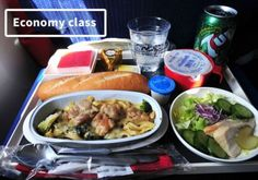 19 Airline Food difference:First Class Vs. Economy