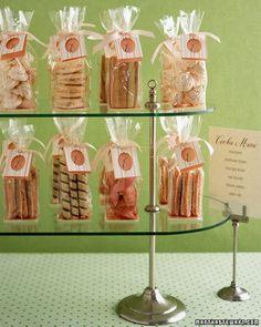 Boda Envuelve galletas con celofan y una buena etiqueta ;)