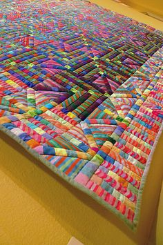 This is some serious pieceing! Stiped strips and little block strips. Via juju made : Pamela Studstill.
