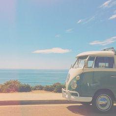 viajar pelas praias, na própria Kombi *-*