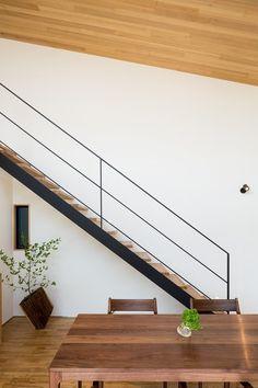専門家:Takuya Hasegawaが手掛けた、オープン階段とダイニング(緩やかに囲む家)の詳細ページ。新築戸建、リフォーム、リノベーションの事例多数、SUVACO(スバコ)