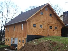 pictures of pole barn homes | 28'x38' Bank Barn attached to house via breezeway. This barn has 2-1/2 ...