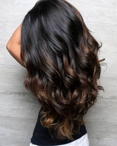 The most popular highlights for dark hair are light brown or caramel balayage, but there are no limits on color for a balayage hairstyle. Look below for the top balayage for dark hair to find your inspiration. Black Hair With Highlights, Hair Color Highlights, Hair Color For Black Hair, Brown Hair Colors, Black Highlighted Hair, Black Hair Ombre, Balyage For Black Hair, Dark Brown Hair With Highlights Balayage, Purple Hair