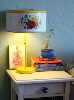 Cake Tin Lamp... ooooooh wait I have an old cake tin around here somewhere now I know what to do with it.