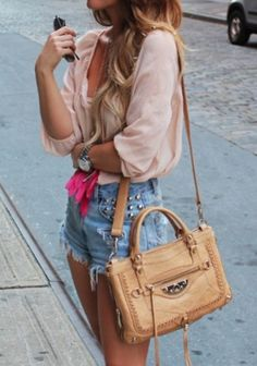 Cut-off Shorts, flowy blouse and satchel