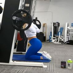 Incredible booty workout routine for women! Read more for the best exercises for a flat belly! The post Incredible booty workout routine for women! Read more for the best exercises fo appeared first on fitness. Fitness Workouts, Fun Workouts, At Home Workouts, Squats Fitness, Body Squats, Gym Workouts Women, Gym Glute Workout, Barbell Workout For Women, Leg Butt Workout