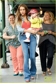 Jessica Alba takes her daughter Haven to the Central Park Zoo on September 9, 2013