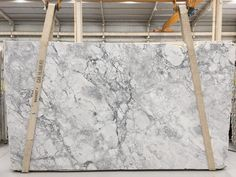 Super White Quartzite Slabs High Quality Slabs is Quartzite Slabs from Brazil, welcome to buy Super White Quartzite Slabs High Quality Slabs with good quality and price from Brazil suppliers and manufacturers directly. Super White Granite, Super White Quartzite, White Quartzite Countertops, Epoxy Countertop, Stone Kitchen, Kitchen Remodel, Kitchen Redo, Kitchen Ideas, Kitchen Design