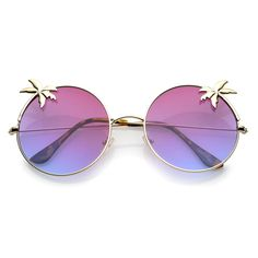 Perfect for summertime or an island getaway, these oversize round sunglasses are designed with ultra slim metal temples and a lightweight frame. Accented with decorative palm trees and gradient flat l Oversized Round Sunglasses, Stylish Sunglasses, Sunglasses Women, Lunette Style, Fashion Eye Glasses, Cute Glasses, Cat Eye Frames, Sunglass Frames, Computer