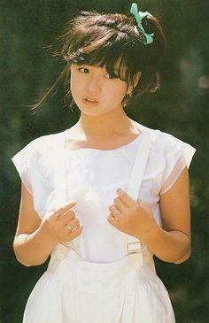 画像 Human Poses Reference, Pose Reference Photo, Art Reference, Aesthetic Japan, Japanese Aesthetic, Japanese Fashion, Japanese Girl, Girls Short Haircuts, Body Poses