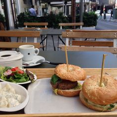 Best included in the from am - pm Brunches, Hamburger, Madrid, Sandwiches, Ethnic Recipes, Food, Roll Up Sandwiches, Meal, Hamburgers
