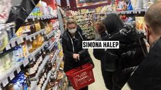 Mai deschideți o casă pentru Simona! Imagini savuroase cu Halep, surprinsă la coadă în supermarket   FOTO Simona Halep, Doha, Mai, Tennis