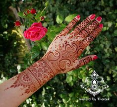"""925 Likes, 9 Comments - Mehndi by Theresa (@mehndi_by_theresa) on Instagram: """"Mature stain I did leave the paste on for 23 h #mehndi #henna #mehndiartist #bridalhenna…"""""""