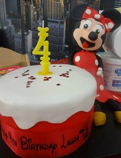 Minnie Mouse Minnie Mouse, Birthday Cake, Cakes, Desserts, Food, Tailgate Desserts, Deserts, Cake Makers, Birthday Cakes