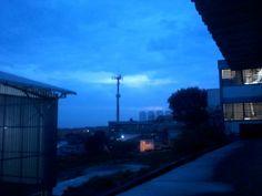 na visão um belo por do sol sobre a cidade e no pensamento você é o que domina... <3