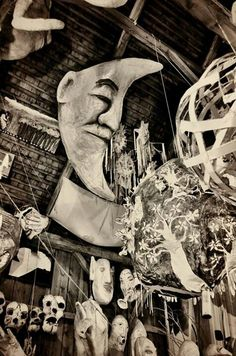 Bread and Puppet Via Christine Andrews Puppet Costume, Marionette Puppet, Glove Puppets, Hand Puppets, Theater, Puppet Theatre, Bizarre, Mask Design, Faeries