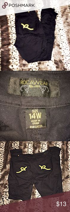 ⚜️Roca Wear Pants⚜️ Good condition. Skinny ruche legs. Pockets in the side legs. Rocawear Pants Skinny