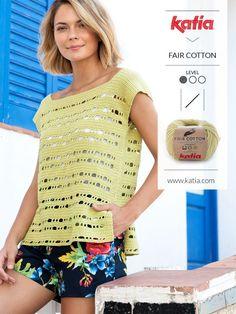 10 easy crochet tops for women: basic, classic, openwork, floral, zigzag… Crochet Halter Tops, Blouse Au Crochet, Débardeurs Au Crochet, Pull Crochet, Gilet Crochet, Crochet Summer Tops, Crochet Cardigan Pattern, Summer Knitting, Crochet Slippers
