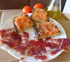 pa amb tomaquet i pernil.