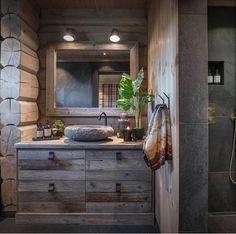 Bathroom Interior Design, Decor Interior Design, Interior Decorating, Cabin Bathrooms, Rustic Bathrooms, Montana Homes, Mountain Cottage, Cabin Interiors, Wooden House