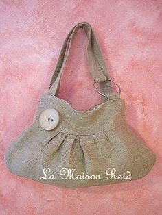 Burlap Bag (Tutorial: http://lamaisonreid.blogspot.com/2010/08/burlap-purse-with-shabby-rose.html )