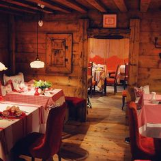 La Stua de Michel. The Michelin star restaurant that belongs to the wonderful  La Perla hotel in the Dolomites village of Corvara Badia. I love the Tyrolean touches and the traditional vibe   #laperla #restaurant #michelin #star #luxury #luxuryhotel #wonderful #place #altabadia #italy #dolomites #luxurytravel #amazing #ludwigsfavorites #travelblogger #cuisine #traditional #tyrolean #style #cozy #gemütlich #corvara #corvarainbadia by ludwigsnl