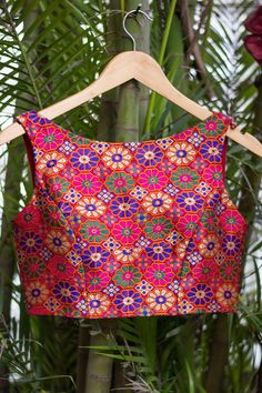 Ready to shop blouses House Of Blouse New Blouse Designs, Saree Blouse Designs, Blouse Patterns, Blouse Styles, Clothing Boutique Interior, House Of Blouse, Short Long Dresses, Fancy Tops, Indian Bridal Wear