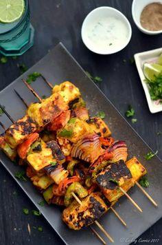 Paneer Tikka, Vegetarian Recipes Dinner, Veggie Recipes, Appetizer Recipes, Chicken Recipes, Indian Appetizers, Vegetarian Food, Healthy Food, Best Paneer Recipes